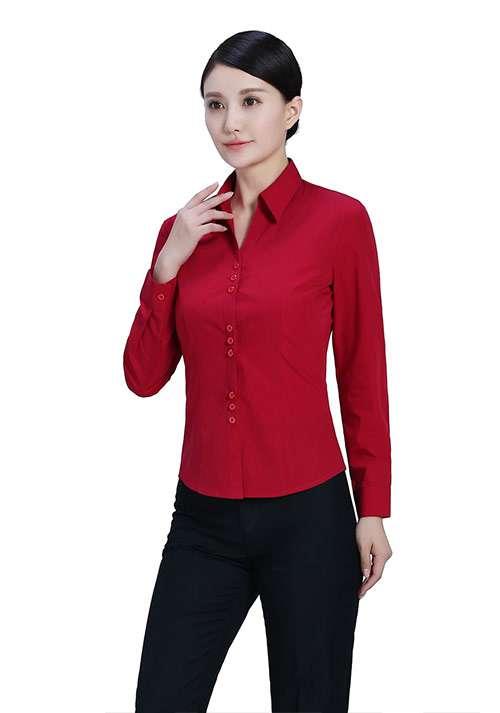 女士红色衬衫