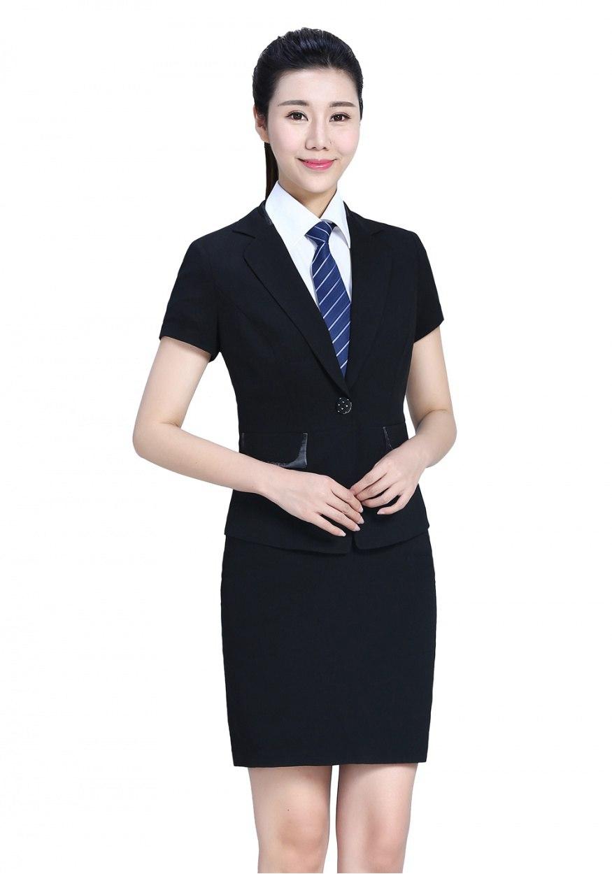 定制西装颜色搭配的技巧和趋势,挑选西装面料需要注意的重点